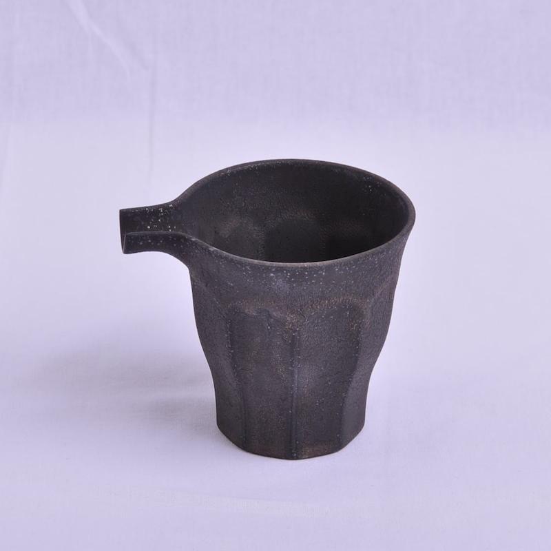 黑色杜拉带嘴茶具