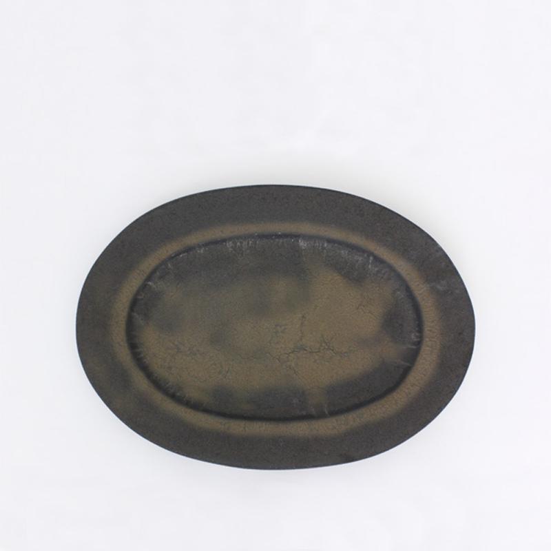 黑色椭圆盘